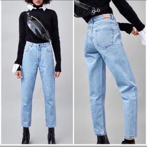 """Zara high waisted light blue wash """"mom jeans"""" 4"""